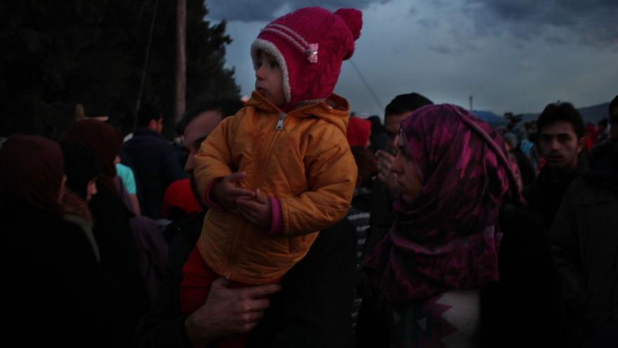 (NO USAR) Cada día continúan llegando personas a Idomeni. | Sergi Cámara