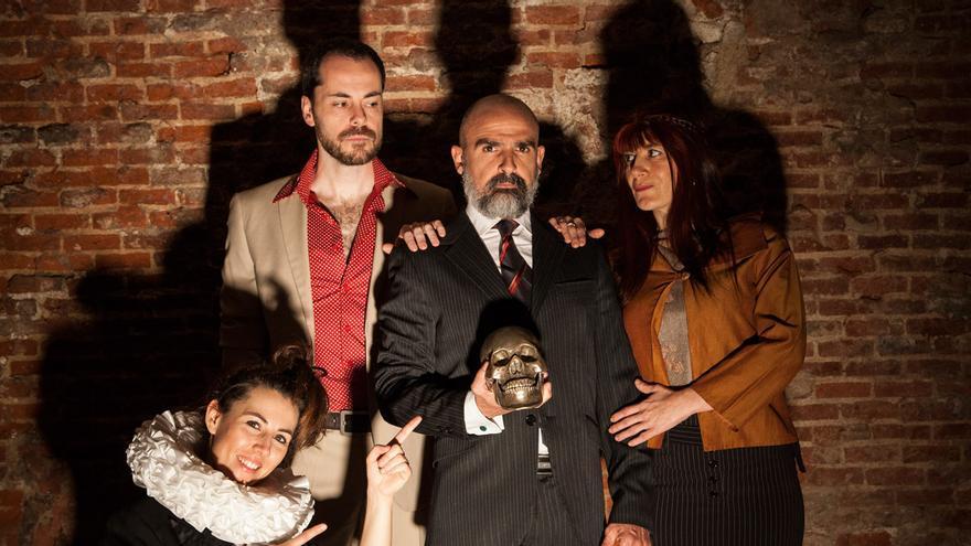 """El equipo de """"¿Hamlet... es nombre o apellido?"""" Foto Juan Carlos Martínez"""
