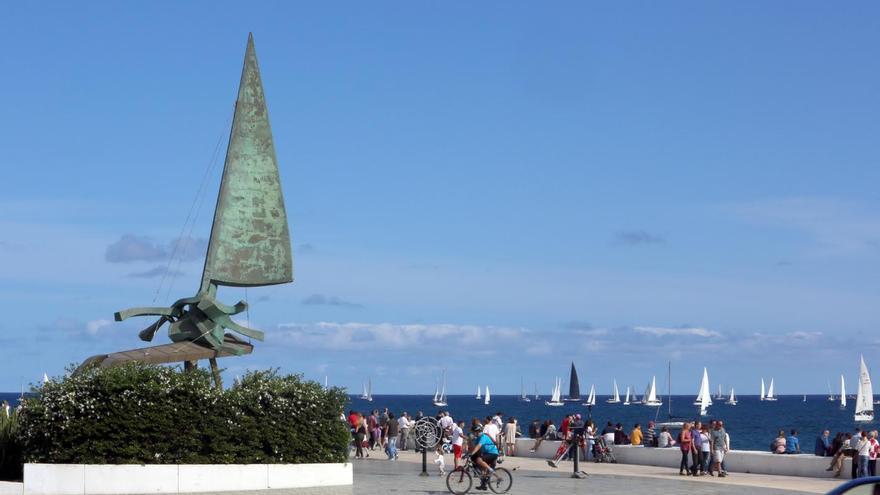 Las embarcaciones de la ARC zarpan hacia el Caribe. (ALEJANDRO RAMOS)