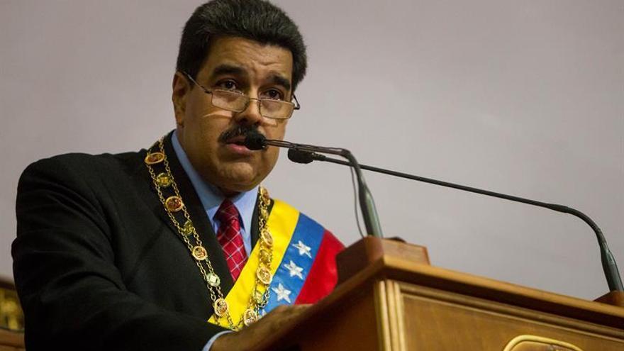"""Maduro llama """"sicario"""" a su par brasileño, Michel Temer"""