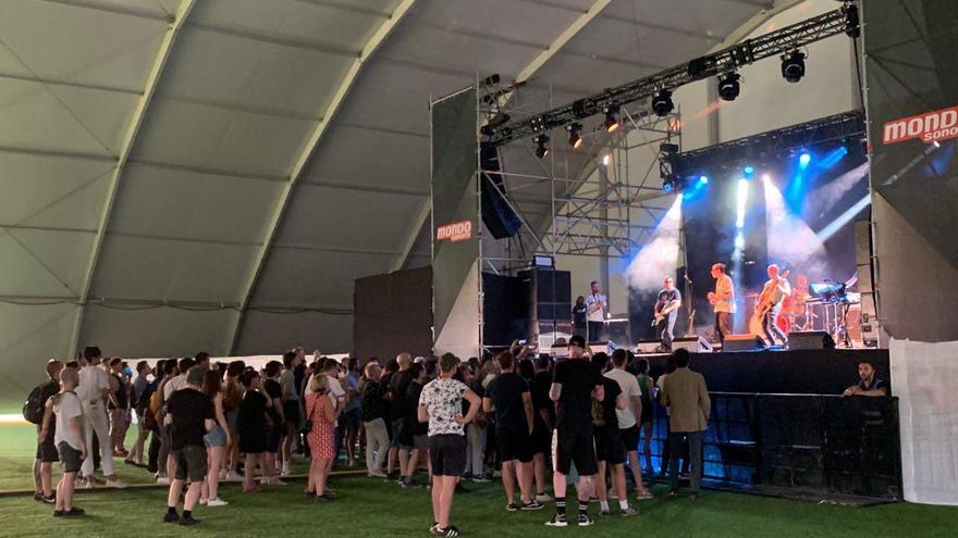 Ambiente al comienzo del concierto de Viagra Boys