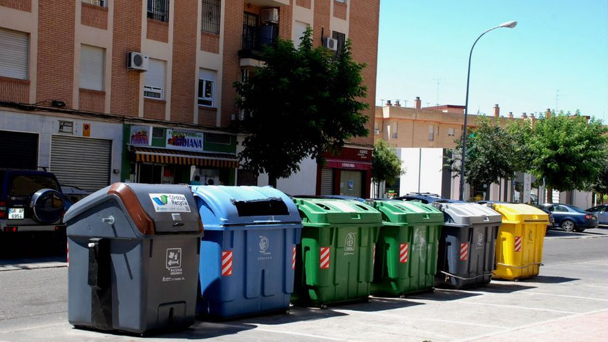 Una imagen de contenedores de basura.