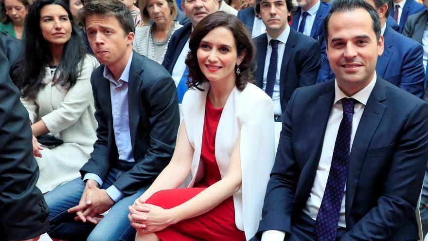 Los candidatos de Ciudadanos y PP, Ignacio Aguado e Isabel Díaz Ayuso. / EFE / Fernando Alvarado