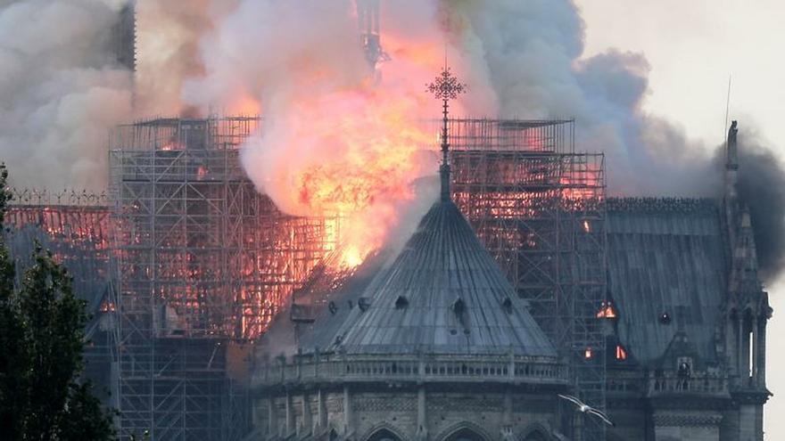 Incendio en la catedral de Notre-Dame de París.