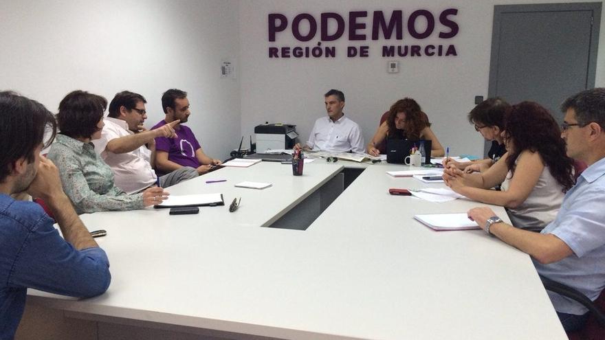 Podemos Murcia da luz verde al comienzo de contactos con Ciudadanos y PSOE