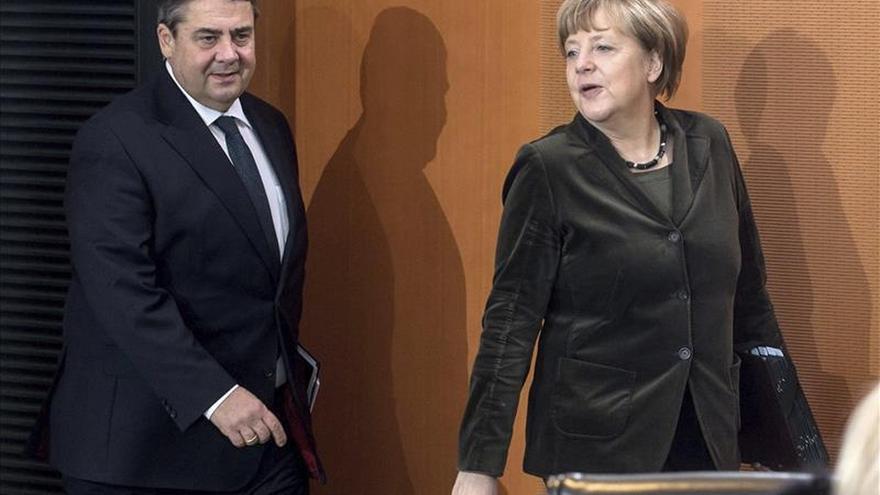 Berlín fija un año mínimo de carencia para pasar del Gobierno a la empresa