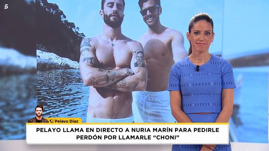Nuria Marín atiende la llamada de Pelayo Díaz en 'Socialité'