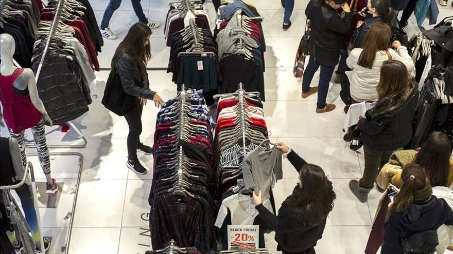 """El """"Ciber Monday"""" cierra mañana el frenesí de descuentos y compras en España"""