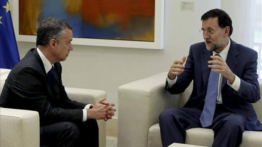 Autogobierno, paz y economía, ejes de la reunión de hoy entre Rajoy y Urkullu