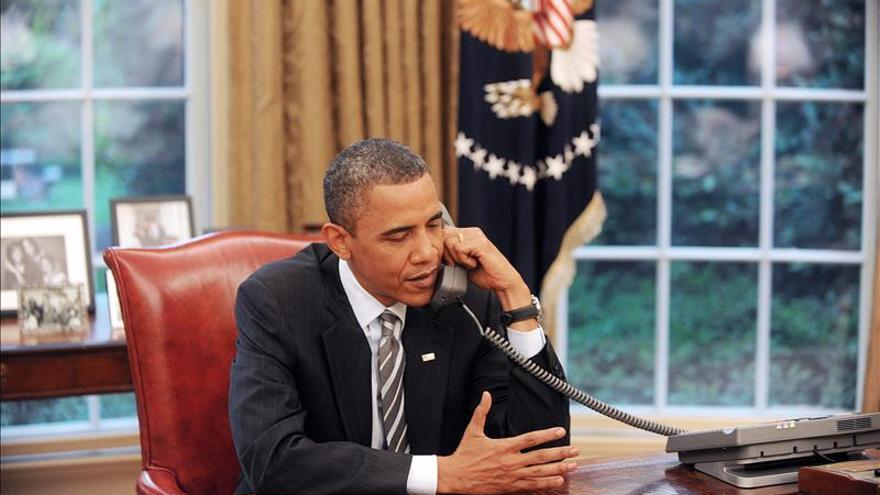 """Putin telefonea a Obama para discutir una """"solución diplomática"""" en Ucrania"""