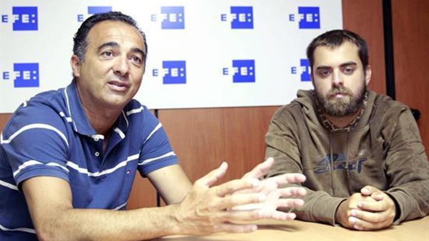Jaime Almeida (i) y Adrián Hernández, organizadores del torneo 3x3 de Bajamar / Cristóbal García, EFE,
