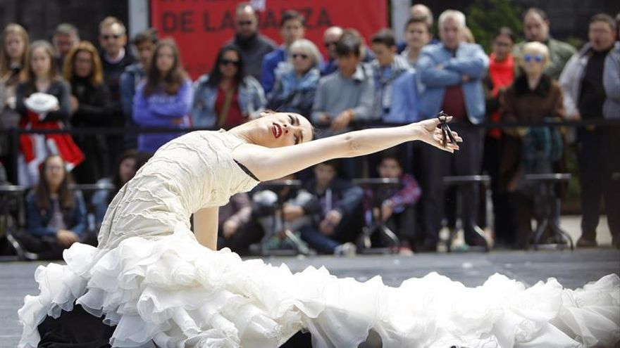 El Ballet Nacional se mezcla con el público para celebrar el Día de la Danza
