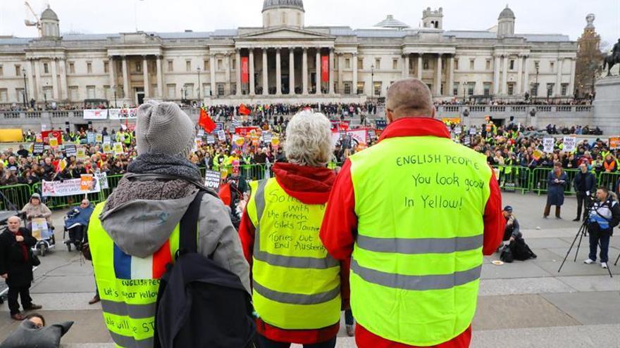 Liderazgo laborista se une a protesta de izquierdas con chalecos amarillos
