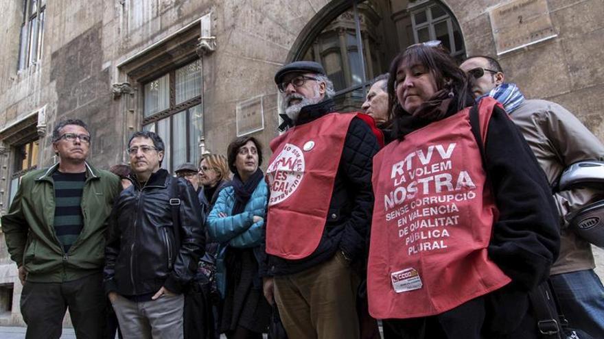 """Extrabajadores de RTVV reconocen que la sentencia es un """"mazazo"""" a su lucha"""