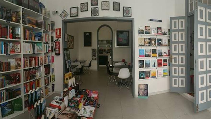 Interior del espacio El Libro en Blanco, en la capital tinerfeña