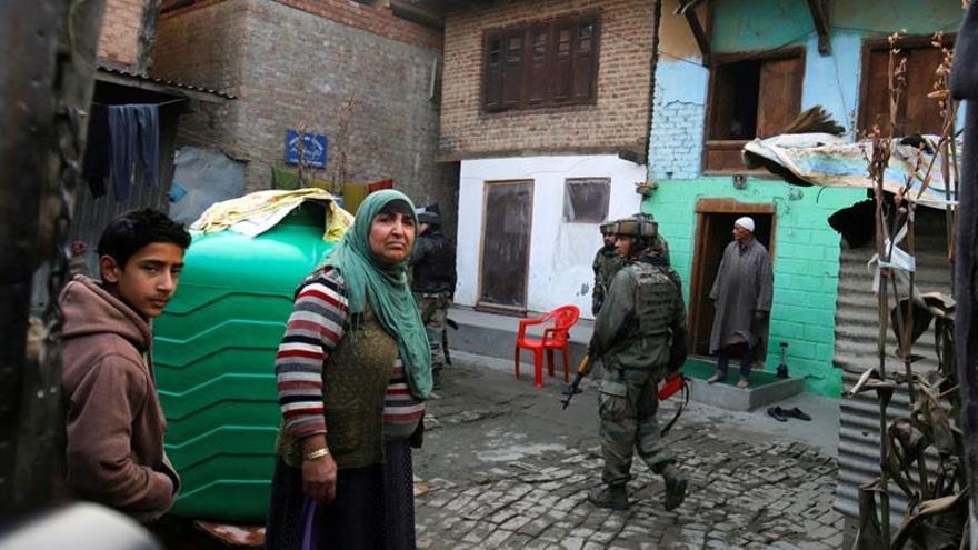 Mueren tres soldados en un ataque insurgente en la Cachemira india
