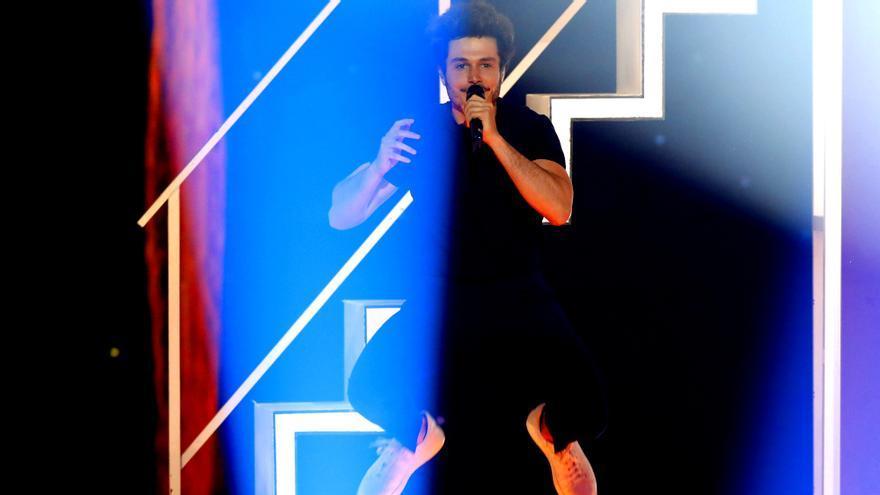 Miki, durante su actuación en la final de Eurovisión