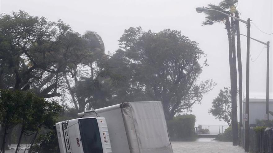 Peña Nieto expresa su solidaridad a la población de Florida ante el embate de Irma