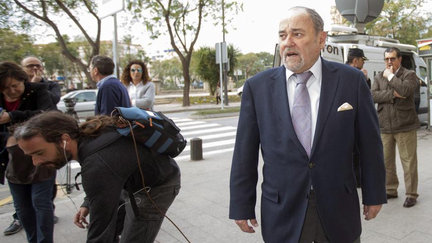 El juez del 'caso Auditorio', Julián Pérez Templado, a su llegada a la sede del Tribunal Superior de Justicia de Murcia antes de la declaración como imputado del presidente Pedro Antonio Sánchez