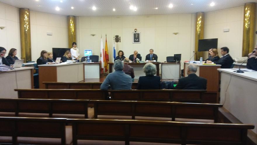 "Díaz Helguera asegura que no ha cobrado ""ni un céntimo"" por proyectos en Castro"