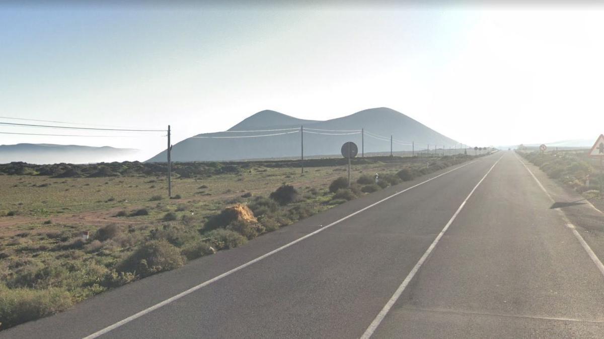 Carretera cercana a Tinajo