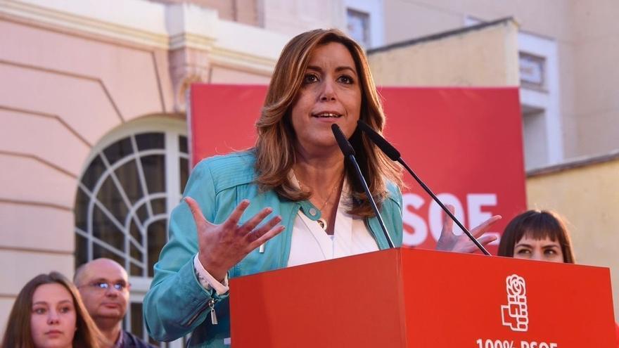 """Susana Díaz promete un PSOE que no se entregue """"a nadie"""" y pide respeto y unidad como """"una gran familia"""""""