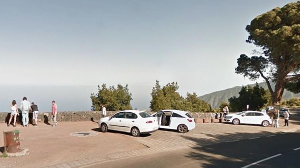 Mirador de Matazno, en la corona forestal del Teide