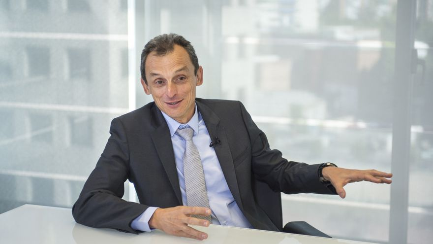 El ministro de Ciencia, Innovación y Universidades, Pedro Duque, durante la entrevista.