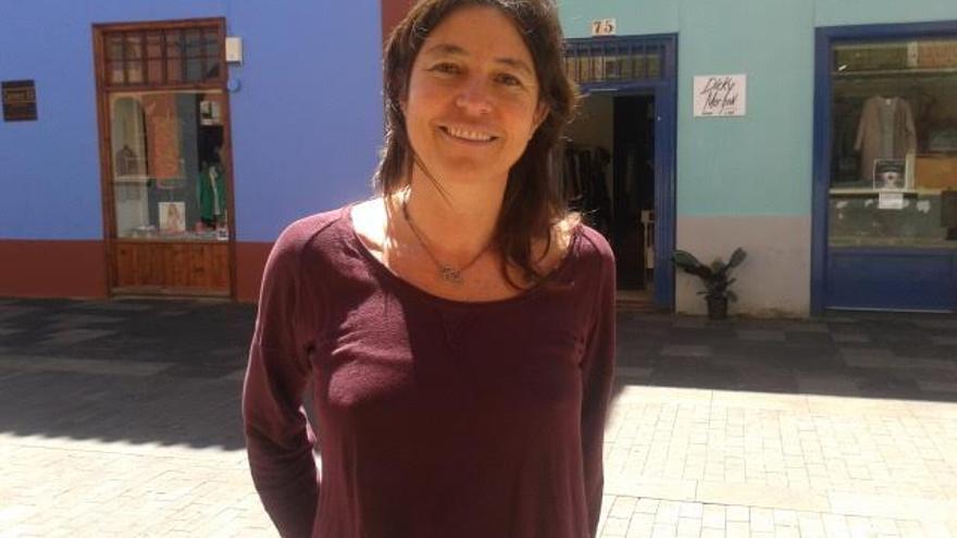 Ana Pino es psicóloga, terapeuta sistémica breve y docente.