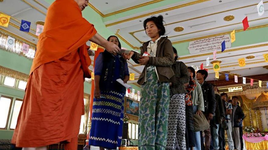 Cerca de 140.000 desplazados por conflictos armados en Birmania