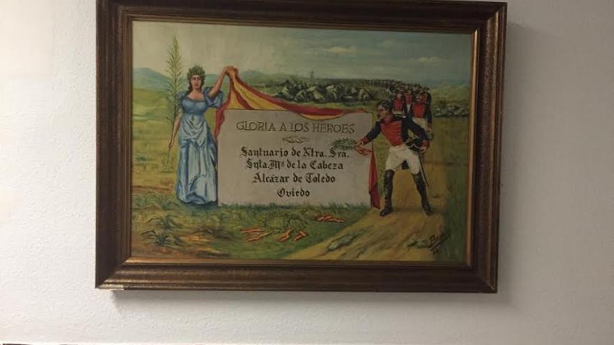 Imagen del cuadro franquista tras ser repuesto en la Comandancia de la Guardia Civil de Badajoz