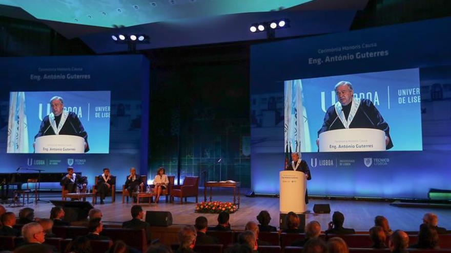 """Guterres recibe título de doctor """"honoris causa"""" de la Universidad de Lisboa"""
