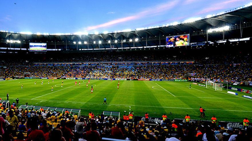 Partido de la selección brasileña en Maracanã, Rio de Janeiro, en junio de 2013. Foto: Digo Souza, CC.