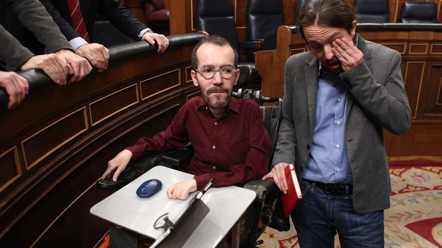 Pablo Iglesias rompe a llorar tras el pleno de investidura que abre paso a un Gobierno de coalición con el PSOE