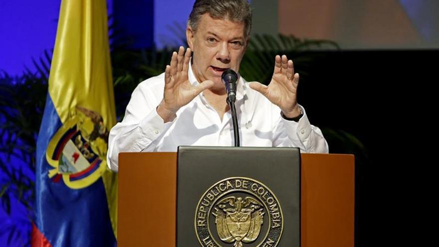 Santos anuncia que Colombia no volverá a fumigar cultivos ilícitos