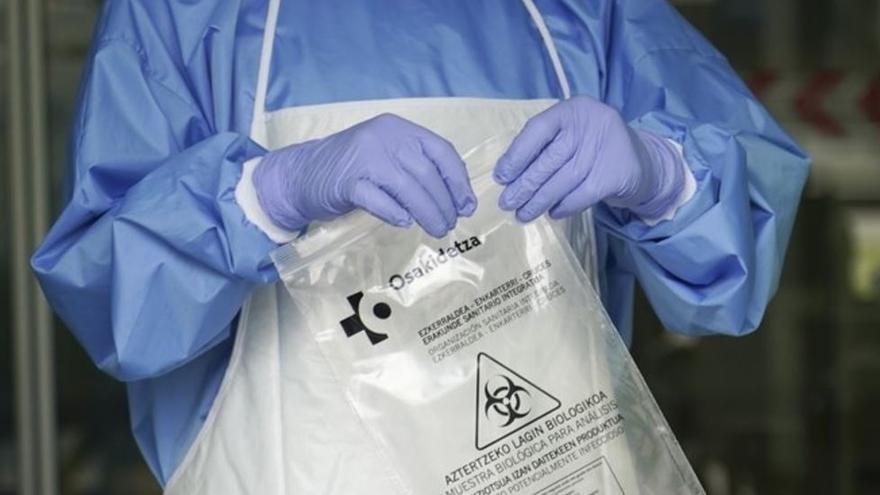 Euskadi suma 8 fallecidos más, 5 nuevos positivos por PCR y 45 por test rápido, y supera los 20.000 contagios