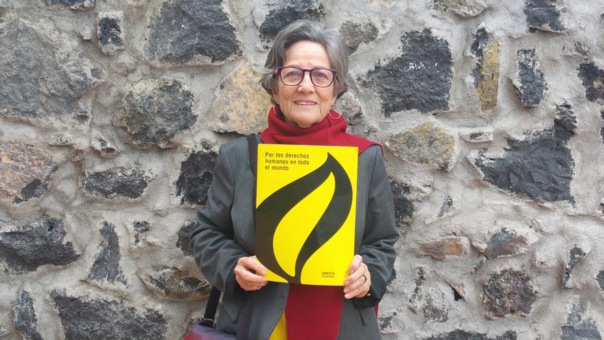 Montserrat Román es coordinadora insular de Amnistía Internacional. Foto: LUZ RODRÍGUEZ.
