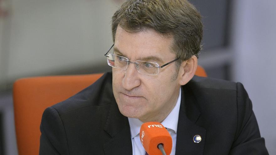 """Feijóo subraya que no se admiten """"chantajes"""" y que el plan """"previsible"""" de Rajoy es cumplir la Constitución"""