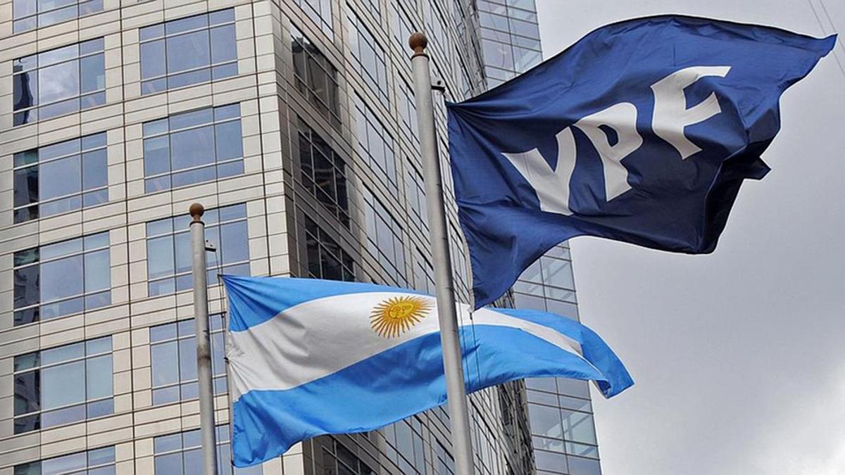 El Estado argentino y las provincias son dueñas del 51% de YPF