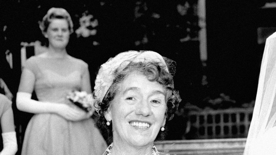 La escritora Enid Blyton en la Iglesia de Saint James de Londres, el 17 de agosto de 1957