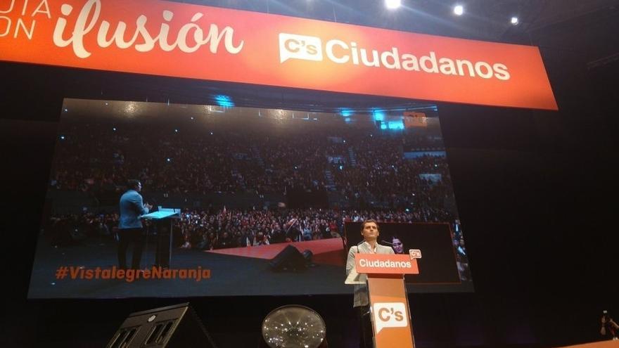"""Rivera niega que C's se estanque y achaca la remontada de Podemos a su """"amalgama"""" de partidos"""