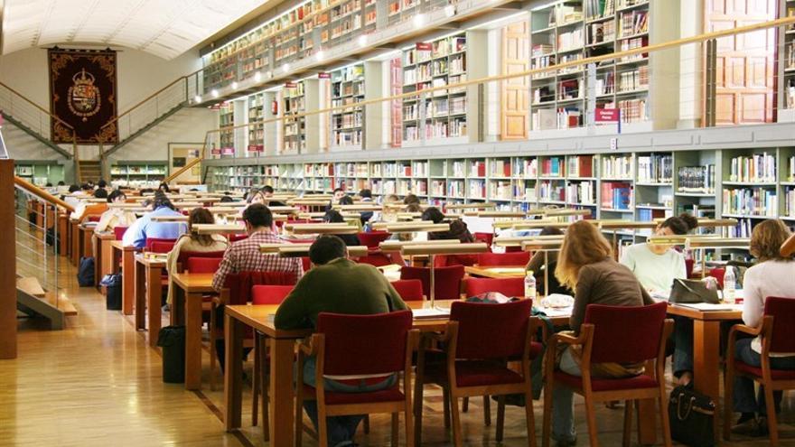 """Se jubila el director de la Biblioteca regional: """"Seguiré luchando por la cultura"""""""