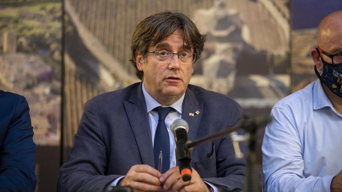El expresidente de la Generalitat Carles Puigdemont, en una rueda de prensa a 25 de septiembre de 2021, en L'Alguer, Cerdeña (Italia)