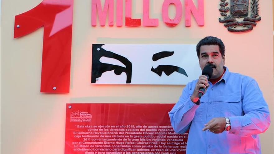 Maduro reforma la ley del impuesto a la renta y el régimen cambiario en medio de la crisis