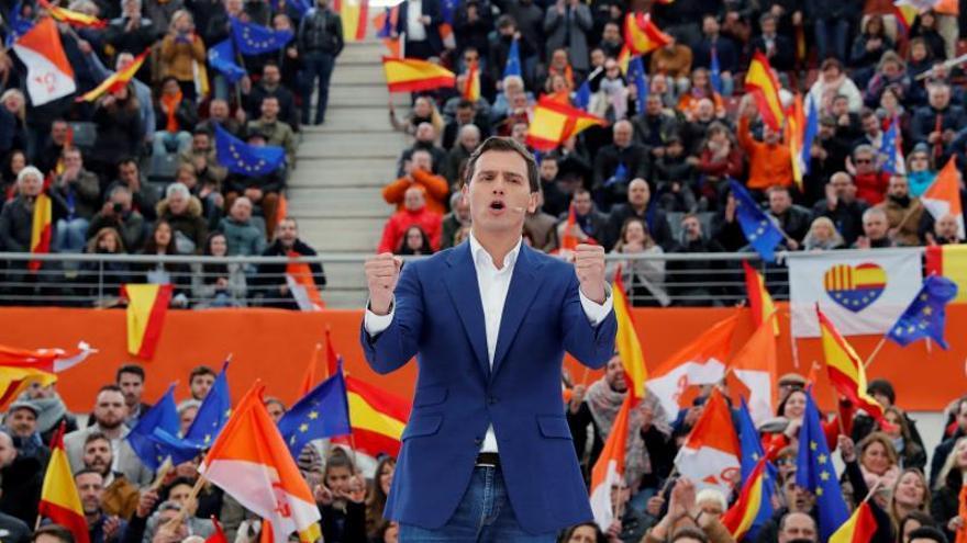 """Rivera llama a votar al grito de """"¡Vamos Ciudadanos!"""" para derrocar a Sánchez"""