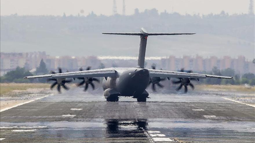 Llega a Sevilla el primer vuelo de prueba del A400M tras el accidente