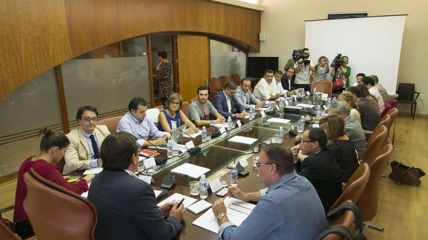 Vara alcohol menores Extremadura alcaldes
