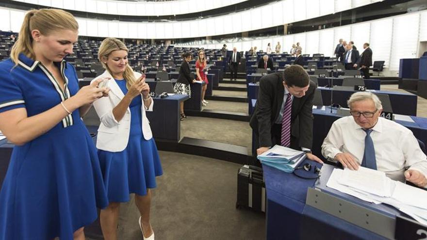 Eurodiputados piden que no suspendan fondos a España por incumplir déficit