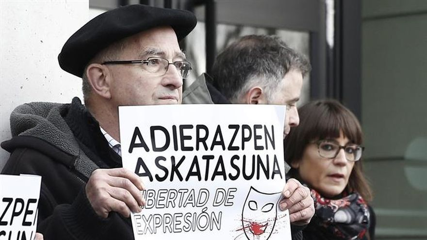 El artista Azcona pide al juez que no acepte la personación del Arzobispado