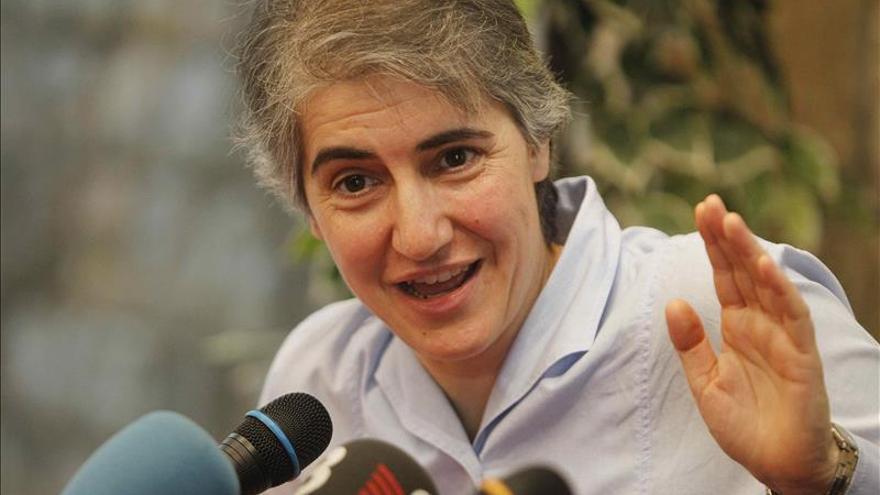 """Teresa Forcades, del convento a la asamblea, y del hábito a la """"estelada"""""""